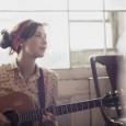 """Lisa Hannigan ha publicado el videoclip de """"Knots"""", primer single de su reciente segundo disco titulado Passenger. La ex amiga-novia-corista-colaboradora (y todo lo ex posible) de Damien Rice continúa fomentando ese minimalista enfoque iniciado en […]"""