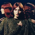 Florence + the Machine presentan en directo en el programa de la BBC inglesa Later… with Jool Holland el que es YA el tercer single de su recién publicado segundo disco. Florence Welch, vestida y […]