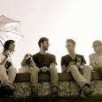 Pocos conocen aún por estos lares a la banda austríaca Stereoface, así que hemos decidido aprovechar el lanzamiento de su nuevo single, avance del próximo disco, para que esto cambie. Tres años después del primer […]